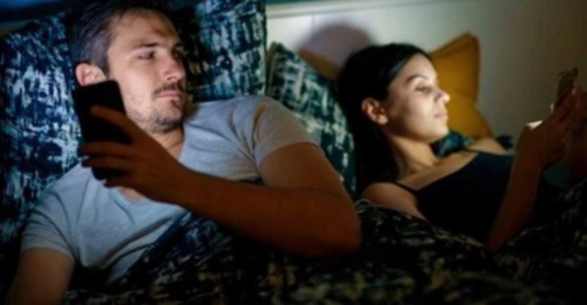L'epidemia di Covid fa calare il desiderio: l'83% degli italiani non ha voglia di fare l'amore