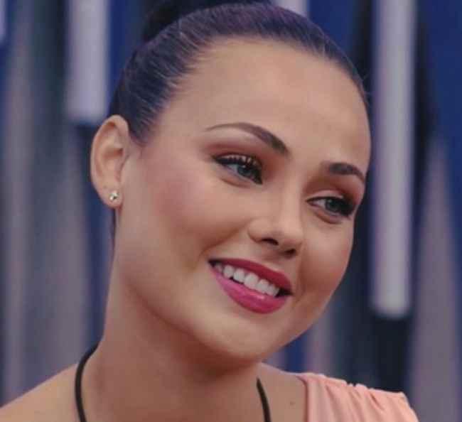 GF Vip: Rosalinda sente l'ex? Cosa succede con Zenga? La sua verità