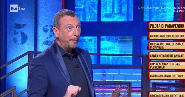 """I Soliti Ignoti: Amadeus a Simona Ventura """"Io...non potrei!"""""""