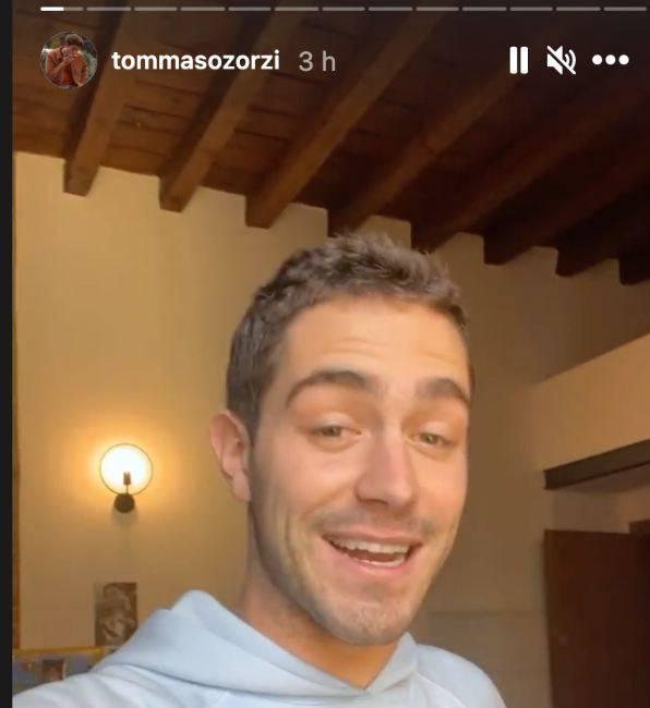 """Tommaso Zorzi e l'annuncio su Instagram: """"la famiglia si allarga"""""""