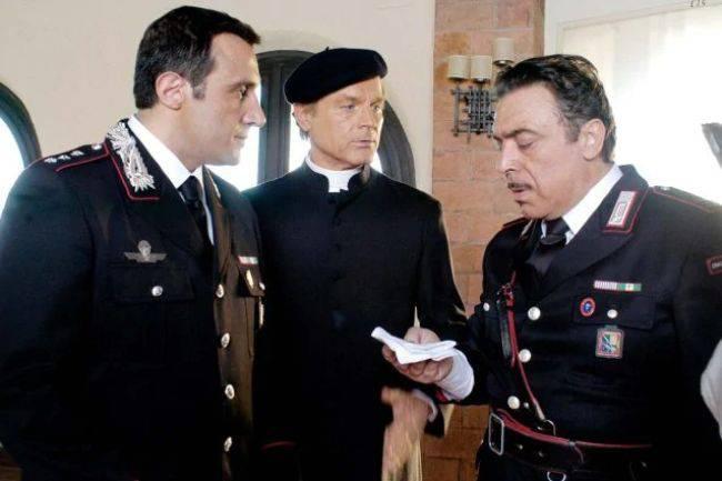 Don Matteo 13 shock: torna Flavio Insinna con il Capitano Anceschi?