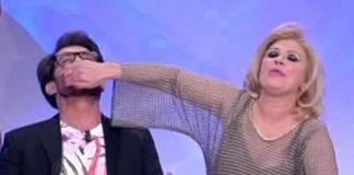"""U&D Tina Cipollari contro Gianni Sperti """"Perchè mi insulti?"""""""