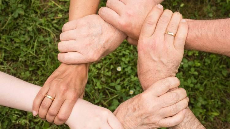 Test psicologico: una delle tre non è una famiglia? Rimarrai stupito